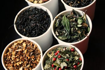 Tea leaves and spices used in Chaika