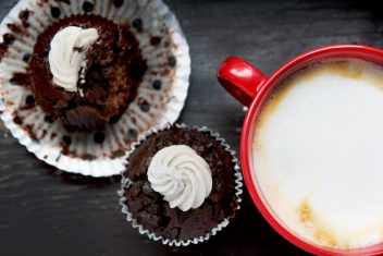 Cappuccino and cucakes