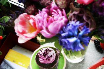 Keksiukas gėlėse