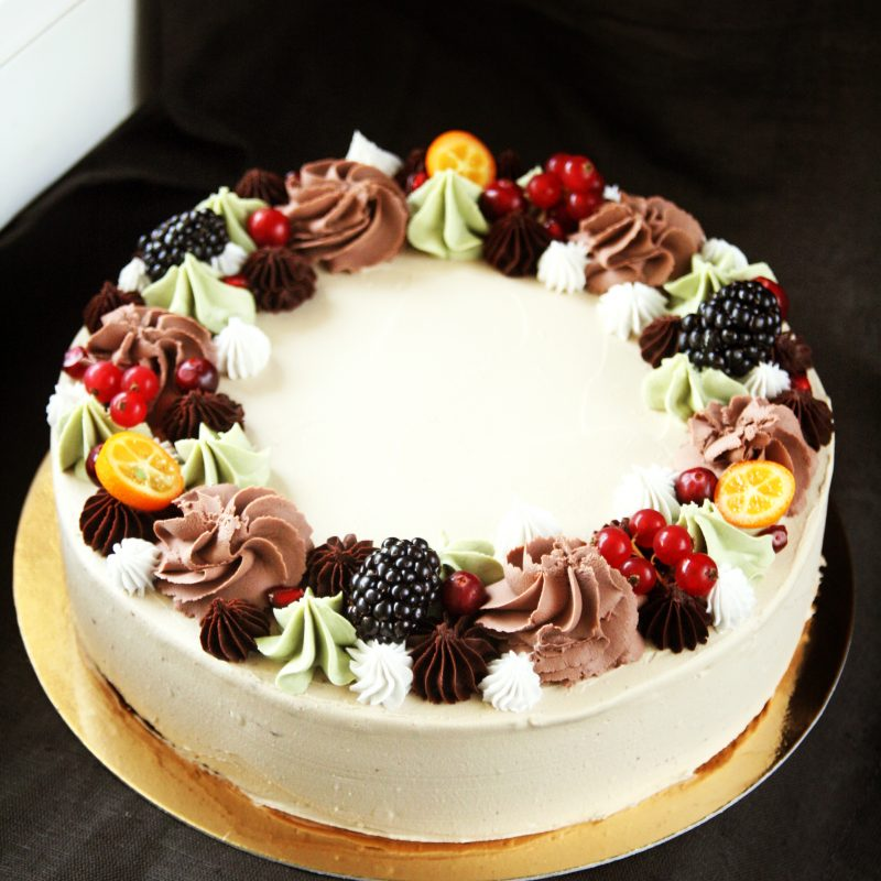 Coffee-peanut butter cake